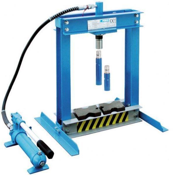 Pressa idraulica oleodinamica da banco con comando manuale for Pressa idraulica fai da te